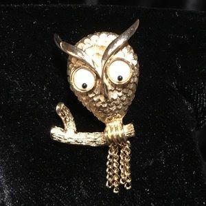Avon Googly eye owl brooch